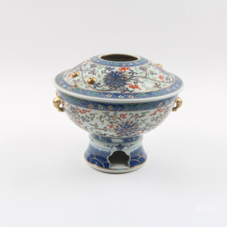 A Chinese Blue and White Porcelain Hot Pot