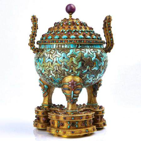 A GEMS INLAID GILT-BRONZE TRIPOD CENSER AND STAND.MARK OF QI