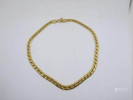 Collier en or jaune 18k à larges mailles souples. Poids 20,6g (AC)