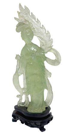 Chinese statuette in jade, light green, depicting Guanine. B