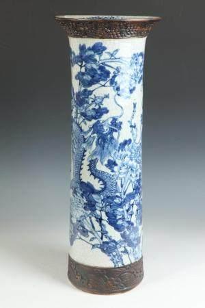 CHINESE BLUE AND WHITE CRACKLE-GLAZED PORCELAIN CYLINDRICAL