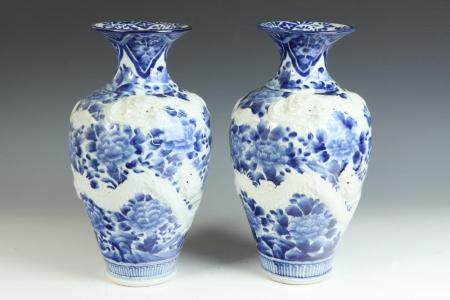 PAIR ARITAWARE PORCELAIN BLUE AND WHITE FLORAL BALUSTER FORM