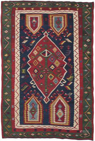 A SARKÖY PRAYER KILIM