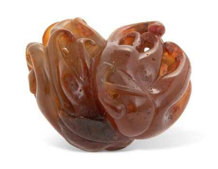 A CHINESE AGATE CARVING OF A FINGER CITRON GROUP
