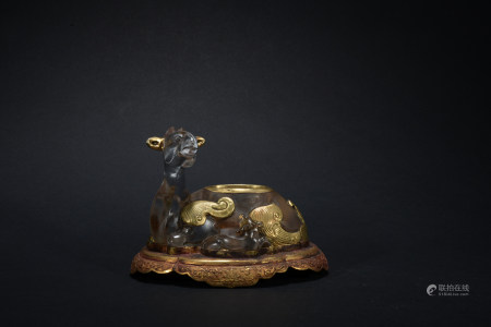 Qing dynasty crystal writing-brush washer inlaid with gold
