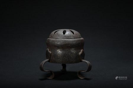 Qing dynasty iron incense burner
