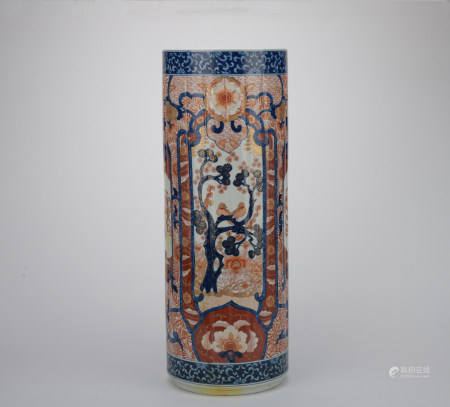 Qing dynasty multicolored jar with flowers and birds pattern