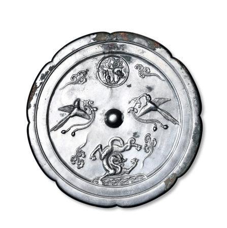 双鹊月宫海龙镜