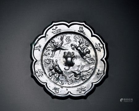 四仙骑纹镜
