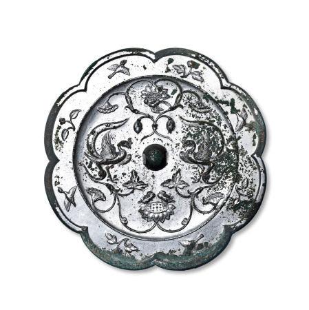 双鸾鸳鸯荷花纹镜