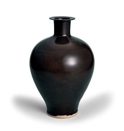 定窑黑釉梅瓶