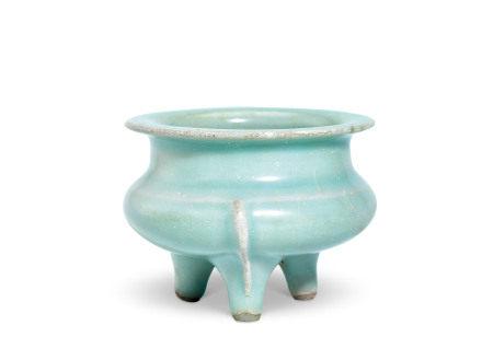 龙泉窑粉青釉鬲式炉