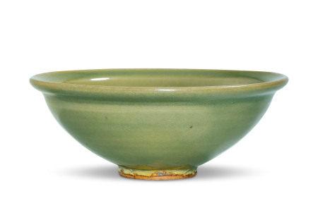 青瓷刻花碗