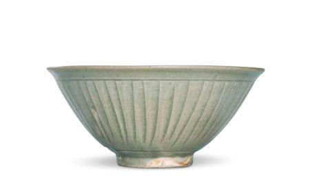 青瓷印花碗
