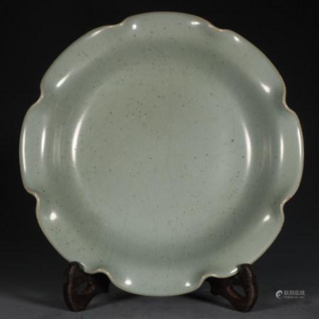 CHINESE CELADON GLAZED LOTUS PORCELAIN PLATE