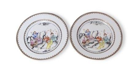A Pair of Famille-Rose 'Luohan' Plates,18th Century18世纪 粉彩十八罗汉图盘 一对