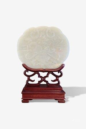A Fine Jade Ruyi-Shape Plaque, Late Qing Dynasty清晚期 白玉雕砚屏