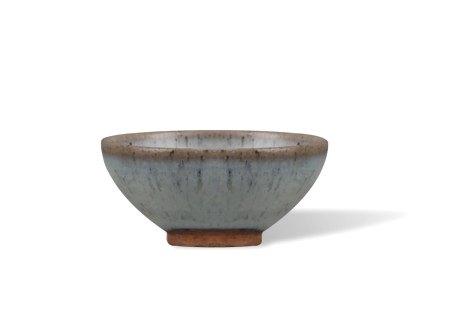 A Small Jun-Type Bowl, Jin Dynasty金 钧窑小碗