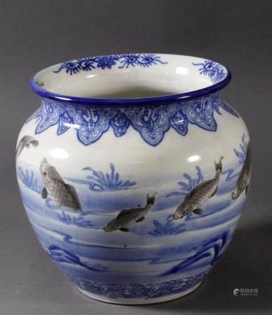 Porzellan Fischbecken, Japan, Meiji PeriodeUnterlasurblau und anthrazitfarbene Teichlandschaft mit