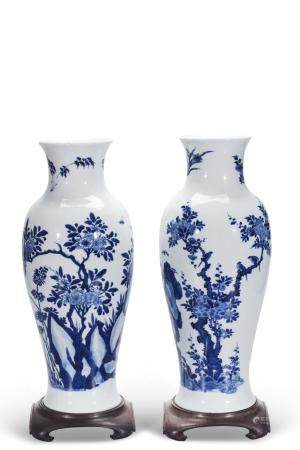 CHINESE BLUE WHITE PORCELAIN VASE MARKED, PAIR