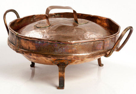 A COPPER TART PAN AND COVER, 19TH CENTURY
