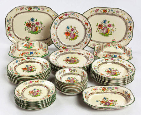 A SPODE 'CHINESE ROSE' PATTERN ASSEMBLED PART DINNER SERVICE