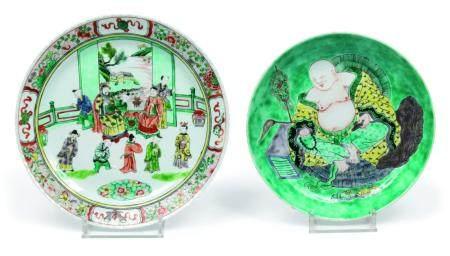 Chine, XIXeLot se composant d'un compotier en porcelaine à décor d'un budaÏ et d'un plat en po