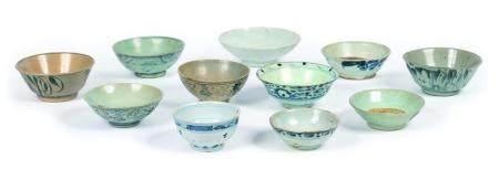 Vietnam, XVIIIe-XIXeLot de 11 bols et coupe en porcelaine à décor bleu et blanc diversDiam.:
