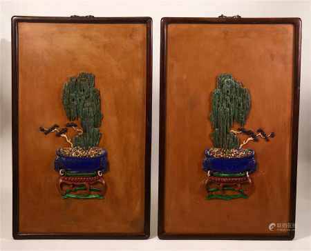 A PAIR OF CHINESE GEM STONE INLAID HANGED SCREENS