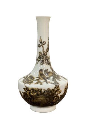 六十至八十年代 珐琅默彩花鸟纹瓶