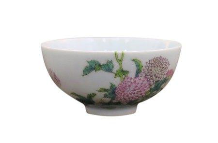 粉彩花卉纹碗 - 雍正款