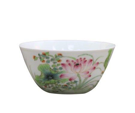 粉彩花鸟纹碗、雍正款