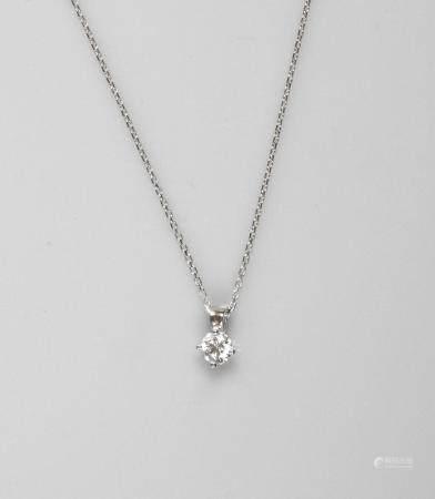 Chaîne et pendentif en or gris, 750 MM, orné d'un diamant taille brillant pesant 0,35 carat , p