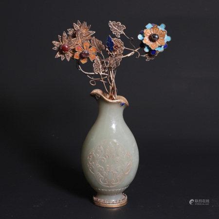 A Chinese Hetian Jade Flower Vase