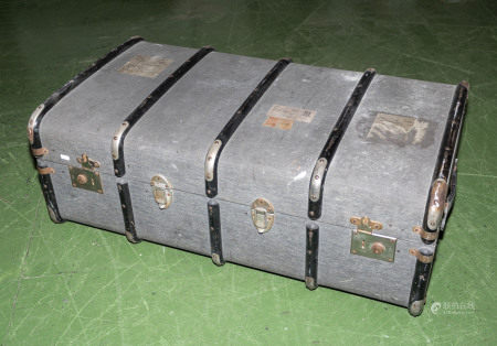 A travel trunk