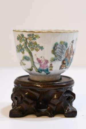 Fanille rose inanel decorated porcelin bowl