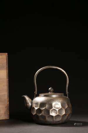 A JAPANESE GILT-SILVER TEAPOT AND COVER