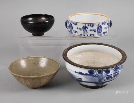 Vier Schalen19./20. Jh., dabei Schale Yaozhou-Ware im Stil der nördlichen Song-Jin-Dynastie,