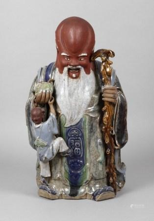 Keramikfigur Glücksgott ShouChina, 20. Jh., gemarkt, cremefarbenes Feinsteinzeug, in polychromer