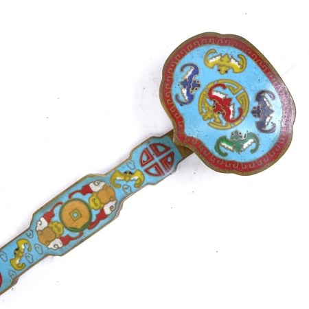A Chinese bronze cloisonne ruyi sceptre, 4 character mark on back with bat design, length 20.5cm