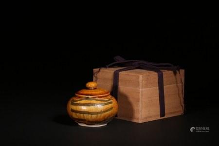 唐 黃釉黑彩蓋罐
