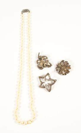 Three Tiffany & Co. Sterling Silver Foliate Brooches and a Faux Pearl Necklace  FJS1