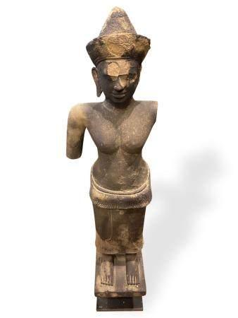 Importante sculpture de SHIVA en grès  Angor Wat, 12ème siècle, Cambodge, Provenance Galerie Mo