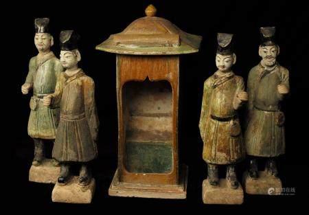 4 personnages, port de palanquins et son palanquin Terre cuite vernissée  Chine, dynastie de