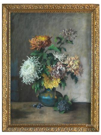 Ecole française du XIXe siècle. Bouquet de chrysanthèmes  Pastel signé en bas à [...]