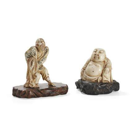 TWO SMALL IVORY SCULPTURES CHINA, EARLY 20TH CENTURY