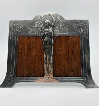 Art Nouveau Period Figural Double Frame