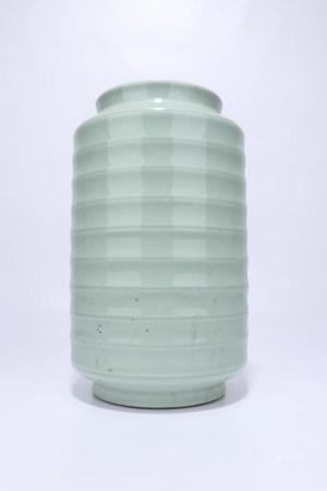 A Chinese Celadon Glazed Porcelain Spiral Vase,Qing Dynasty
