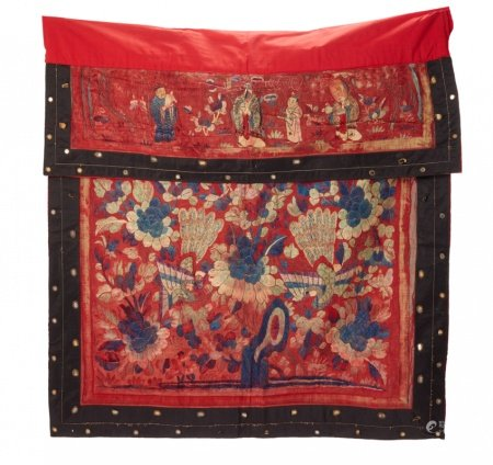 A LARGE CHINESE EMBROIDERED BANNER