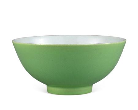 清雍正款 蘋果綠釉碗